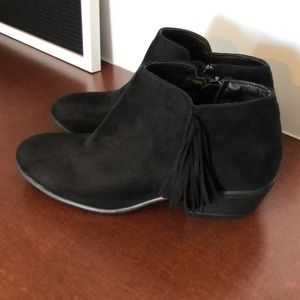 NEW Size 8 Black Booties with side tassel